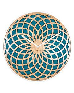 Grote design wandklok turquoise met uitgelaserd hout NE3149TQ